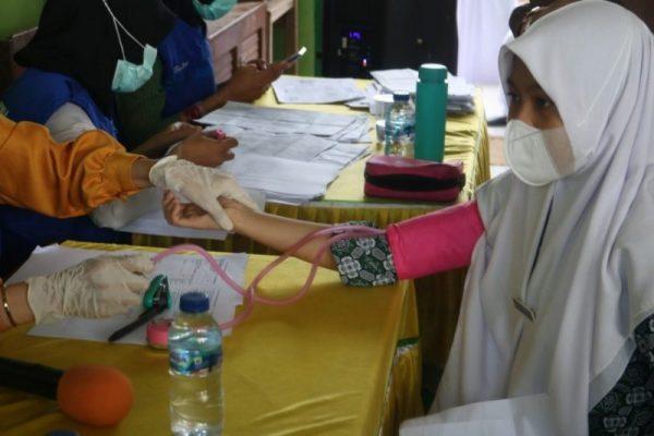 MAN 1 Konawe Selatan Gelar Vaksinasi Siswa Madrasah